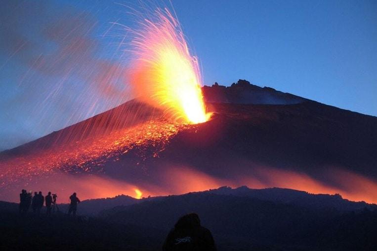 TOP 10: I vulcani più pericolosi del mondo